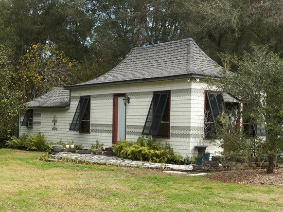 Schoolhouse behind Stetson Mansion, DeLand, FL