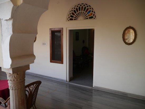 Nana Ki Haveli : 部屋の入口