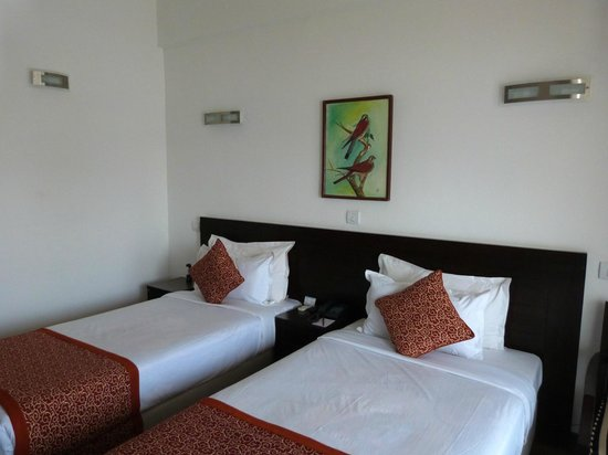 Waterfront Resort Hotel: The bedroom