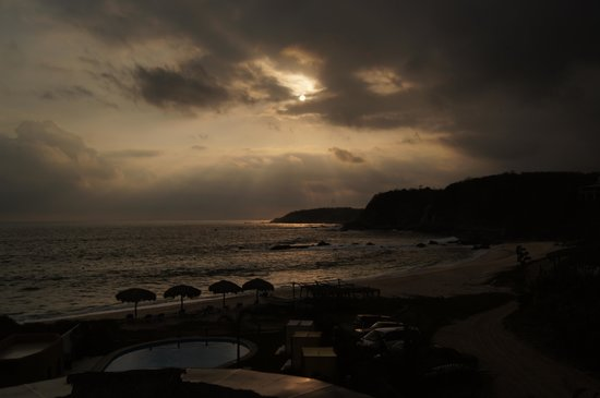 Manta Raya Hotel: Atardecer
