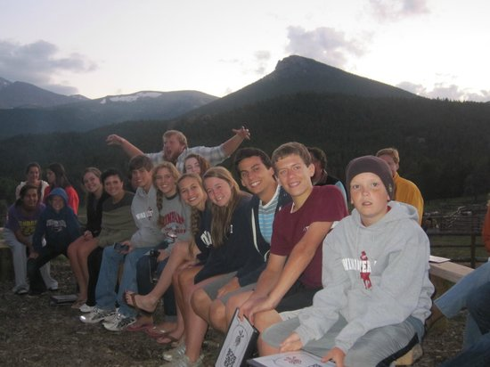 Wind River Christian Family Dude Ranch: Evening fireside