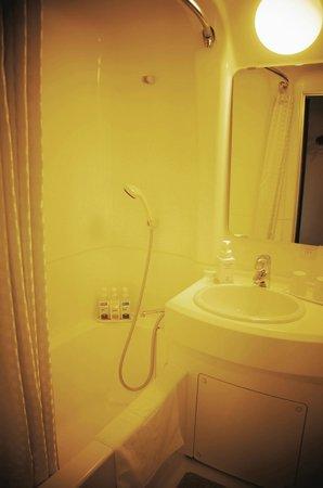 Shinjuku Prince Hotel: Clean bathroom