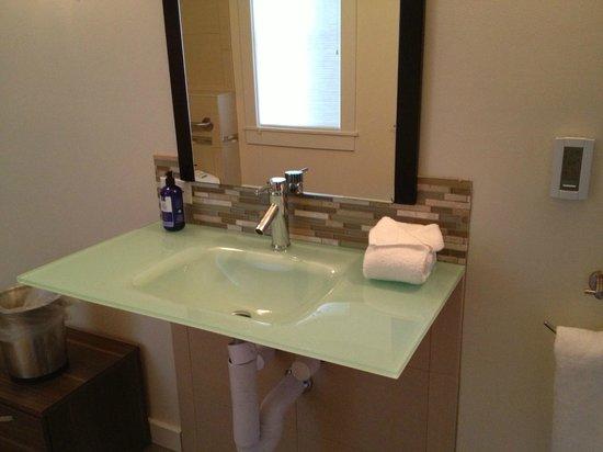 Olea Hotel: Bathroom
