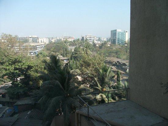 Courtyard by Marriott Mumbai International Airport: View