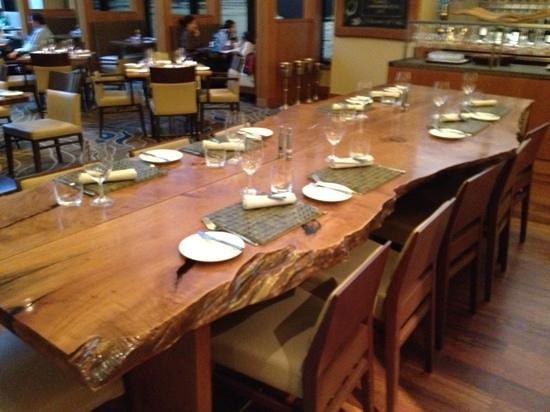 Four Seasons Hotel Vancouver: comedor de siempre en YEW