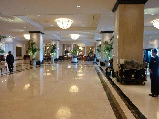 โรงแรมมาริออท นาโกย่า: フロントロビー