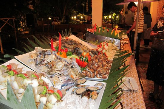 Siripanna Villa Resort & Spa: Friday BBQ Buffet at around US$20/head