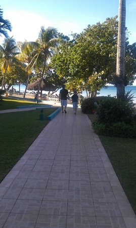 Azul Beach Resort Sensatori Jamaica by Karisma: the walk back to our room