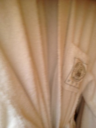 Hotel Atlantico: Thick warm soft robes and slippers