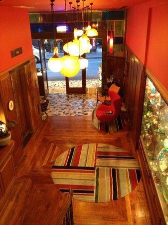 Hotel DeBrett: reception hallway entrance 