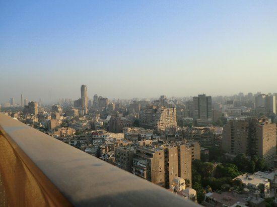 Hilton Cairo Zamalek Residences: back veiw