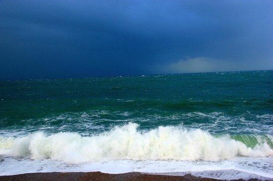 Restaurant Le Homard Bleu: Un orage se prépare - vue depuis le restaurant