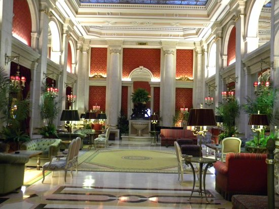 Hotel Avenida Palace: hall dell'hotel