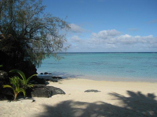 Pacific Resort Aitutaki: clear lagoon water