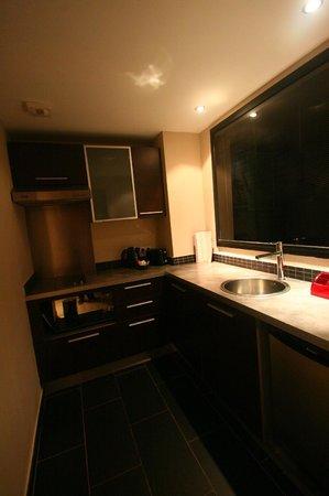 Manava Suite Resort Tahiti: kitchen