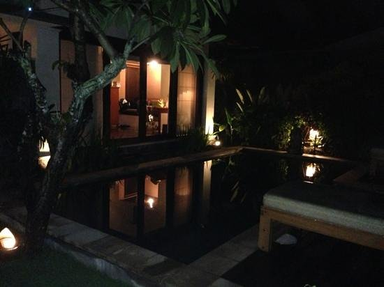 The Sanyas Suite Seminyak: pool at night