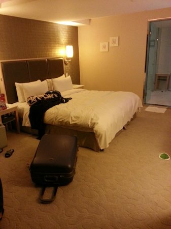 Sun Rise Business Hotel – Taipei Main Station: The bed is comfy
