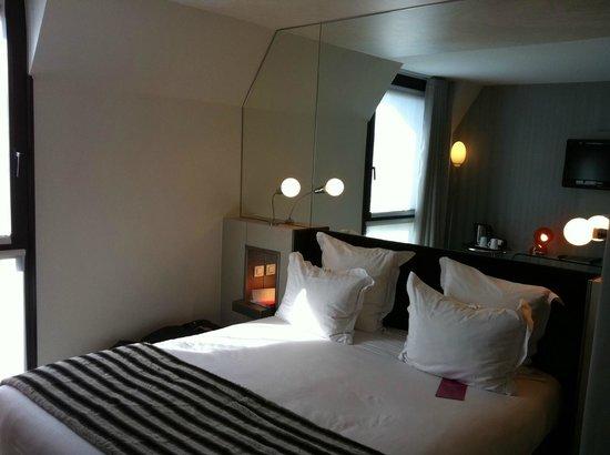 Hotel 7 Eiffel: Beautiful room