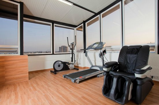 Orchid Suites: Gym Room
