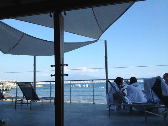 La terrazza - Foto di Pausilya Therme di Donn\'Anna a Posillipo ...