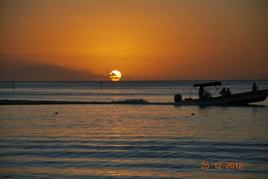 Henry Morgan Beach Resort: tramonto