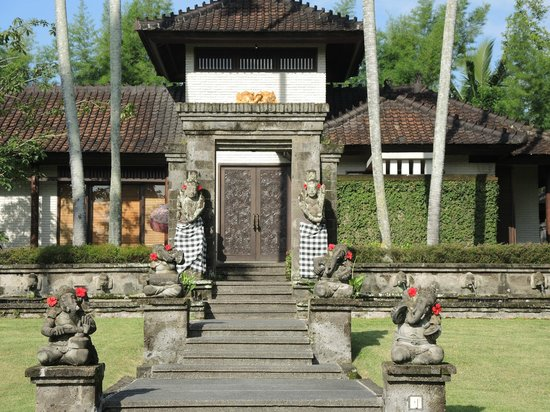 The Chedi Club Tanah Gajah, Ubud, Bali – a GHM hotel: Main villa at The Chedi