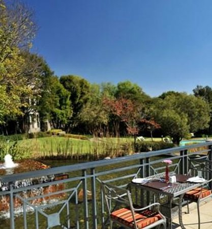 Protea Hotel by Marriott Midrand: Terrace