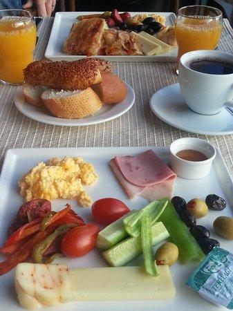 Gezi Hotel Bosphorus: Yemekler lezzetli ve zengin