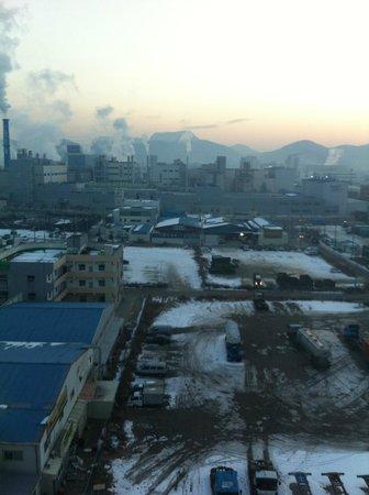 Gumi Century Hotel: 窓からの風景