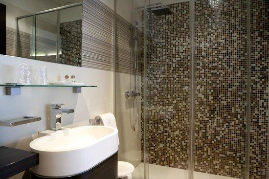 City Hotel: Bagno camera design