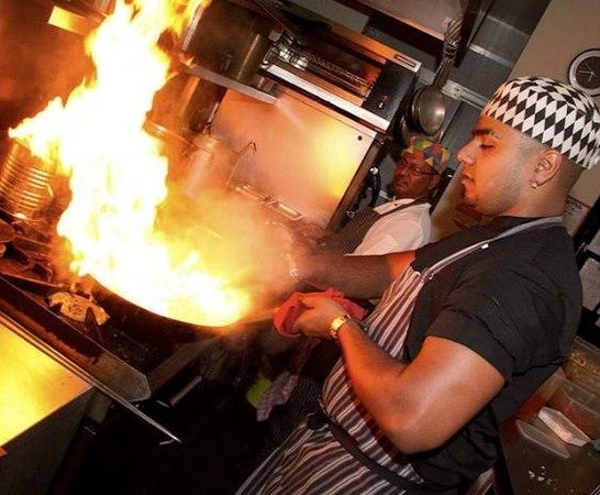 The Spice Avenue Balti Restaurant : In the heat of cooking