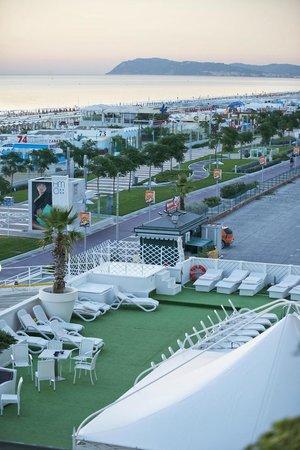Terrazza Swimming Pool Picture Of Hotel Mediterraneo Riccione Tripadvisor