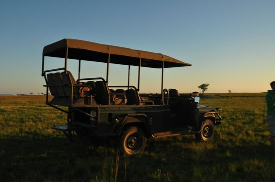Nambiti Hills Private Game Lodge: Sundowners time