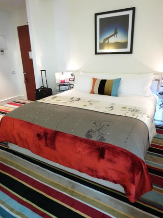 Hotel DeBrett: Superb bed!