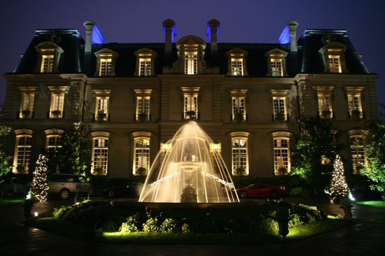 Saint James Paris - Relais et Châteaux: Saint James Paris at night