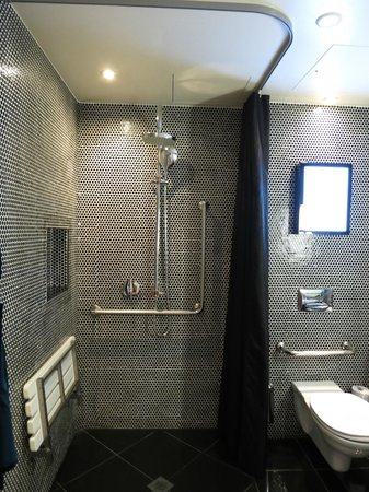 Hotel DeBrett: Bathroom
