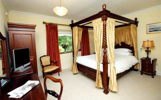 Arthur's Lodge Wood : Four Poster Bedroom