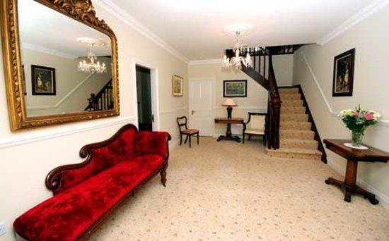 Arthur's Lodge Wood: Entrance Hall
