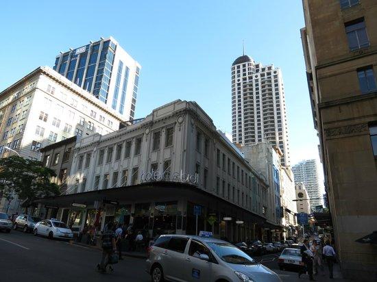 Hotel DeBrett: Hotel's Exterior