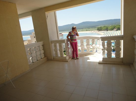 Duni Marina Royal Palace: The incredible balcony (you could play table tennis on it)