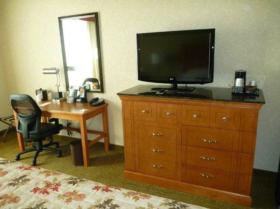 Drury Inn & Suites Orlando: Zimmer, Deluxe, King-Bett