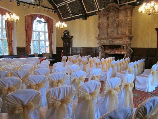 Best Western Plus Grim's Dyke Hotel: Main room dressed for wedding