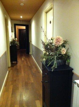 Albergo La Fontanella: corridoio 3 piano