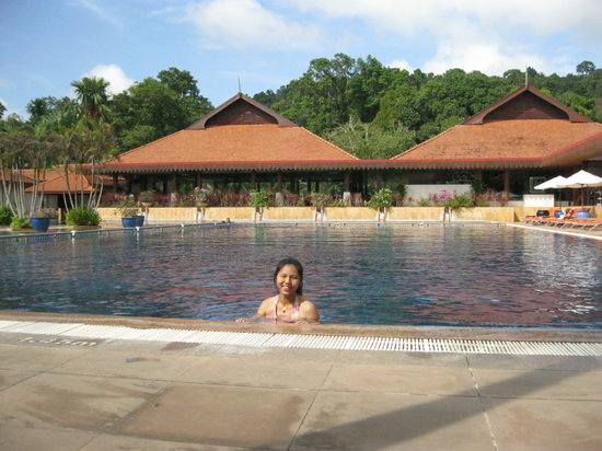 Club Med Cherating Beach: enjoying the pool