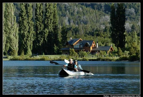 Estancia Peuma Hue: mild paddling