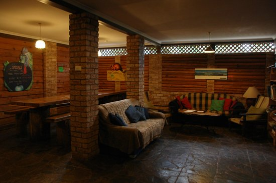 On the Wallaby Lodge: Lounge