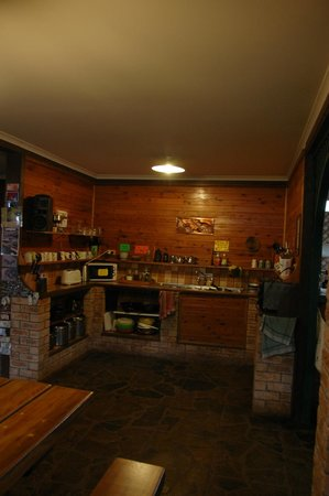 On the Wallaby Lodge: Kitchen