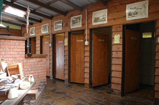 On the Wallaby Lodge: Toilets and Showers