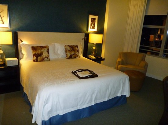 Conrad Miami: Deluxe Zimmer mit Kingsize-Bett