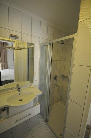 Taksim Premium Residence: BATHROOM